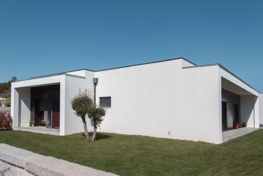 Moradia Vila Ch� de S�